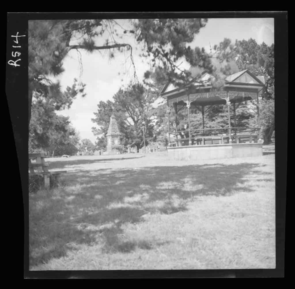 The Robinson Collection, DCC Permanent Collection Band Rotunda and Cenotaph, Victoria Parade Date Unknown Devonport