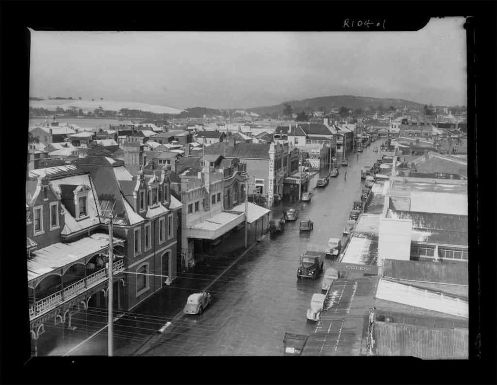 The Robinson Collection, DCC Permanent Collection Rooke Street— Taken from top of Day's building: looking down on Lane's Grand Hotel, looking south along Rooke Street 1950s Devonport