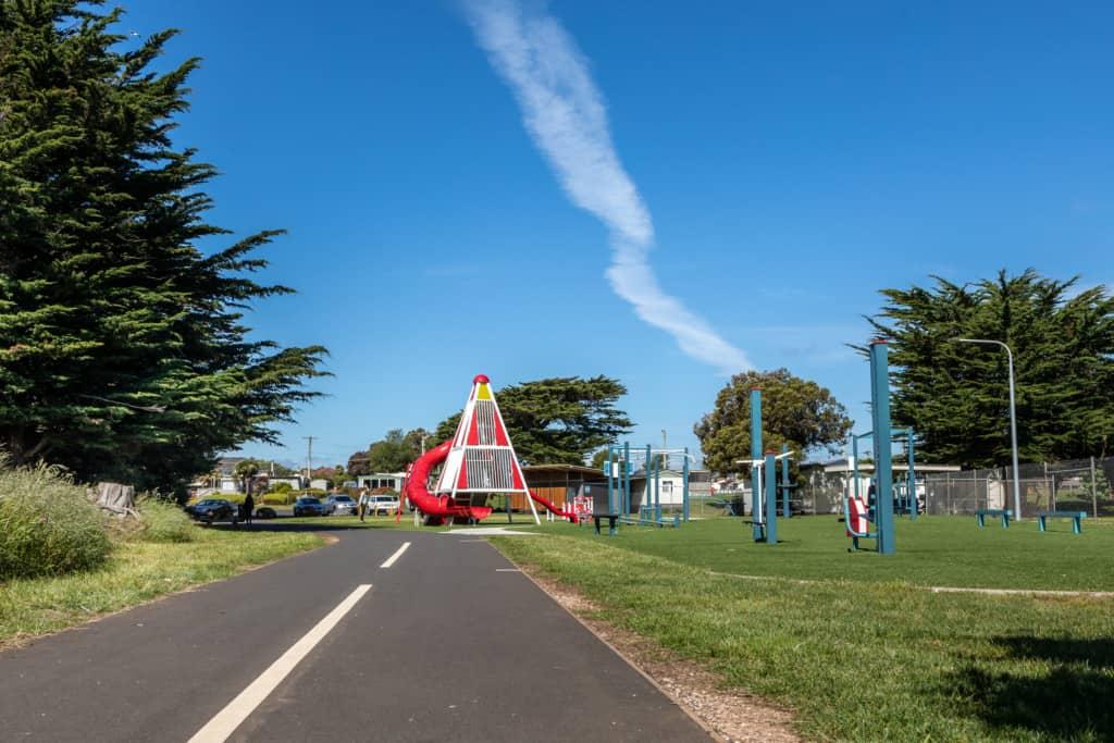 Melrose Street Park 4 Kelly Slater